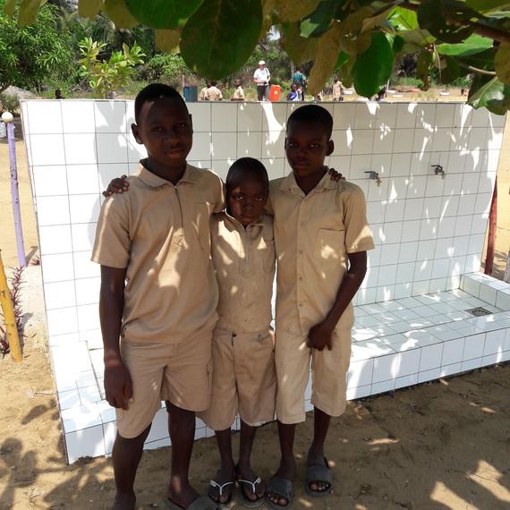 Wash, wash, wash, wachotons (En wallon) ensemble pour ce projet UNICEF!!!